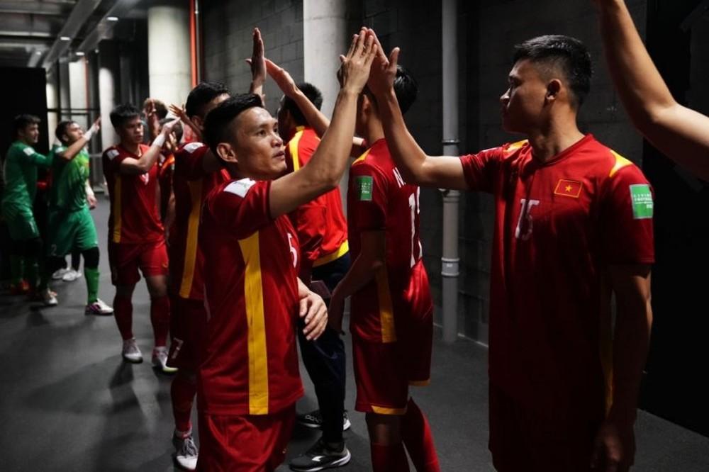 ĐT Việt Nam nhảy vọt trên BXH thế giới sau World Cup, bỏ xa ĐT Anh, Đức - Ảnh 1.
