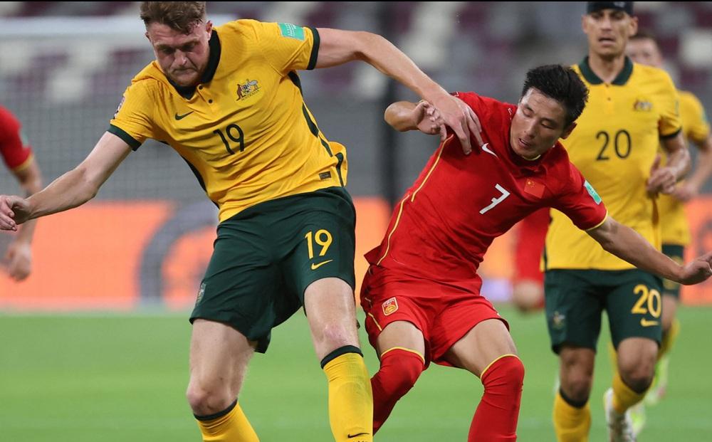 Thi đấu tệ hại ở La Liga, ngôi sao Trung Quốc bị đặt dấu chấm hỏi trước ngày đấu Việt Nam