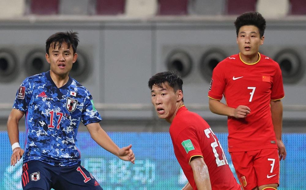"""Trước trận gặp Việt Nam, sao tuyển Trung Quốc liên tục """"than trời"""" vì căng thẳng"""