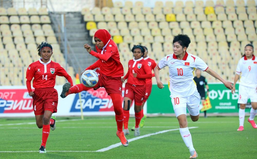 HLV Mai Đức Chung không hài lòng dù ĐT Việt Nam thắng cách biệt 16 bàn