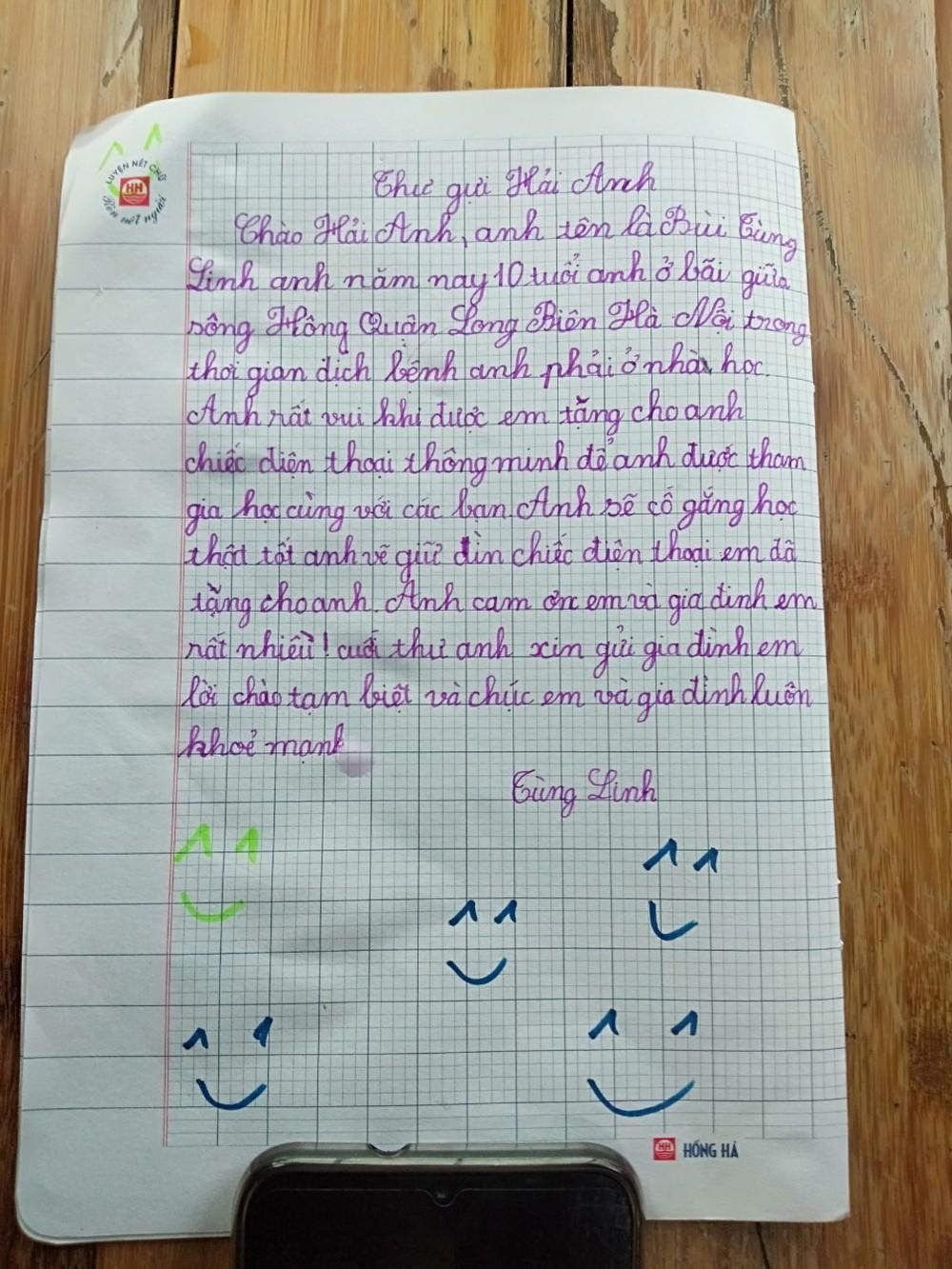 Cậu bé ở nhà nổi ven sông được bạn tặng iPhone học online, lá thư cảm ơn khiến nhiều người xúc động  - Ảnh 4.