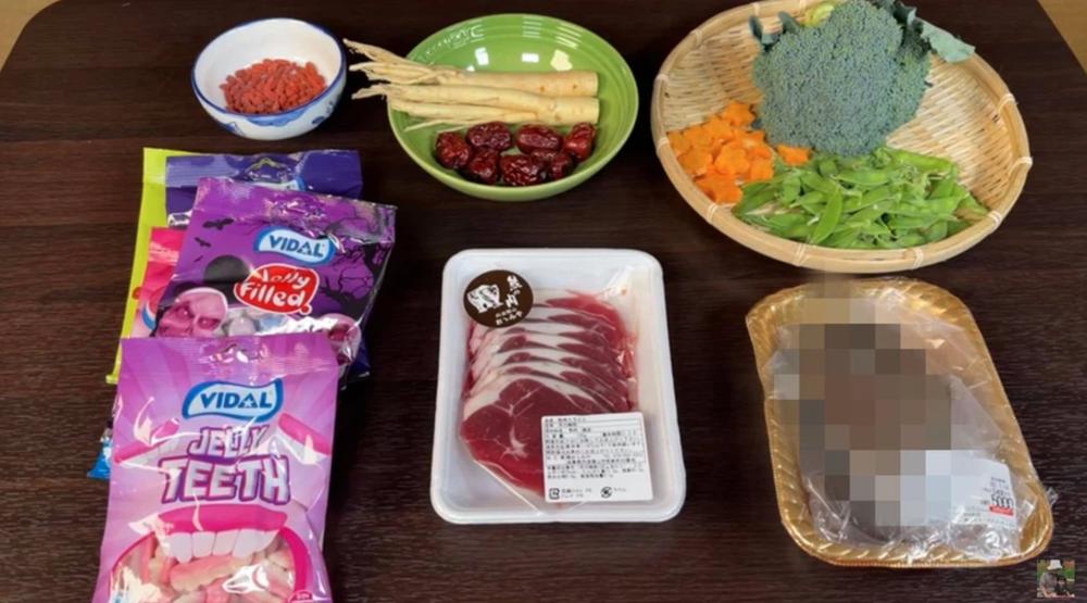 Quỳnh Trần JP và những màn ăn uống kinh dị: Làm thịt cá mập, cổ suý ăn động vật quý hiếm - Ảnh 6.