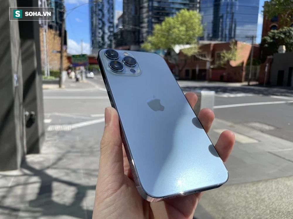 Trên tay iPhone 13 Pro Max màu xanh hot nhất năm nay - Ảnh 8.