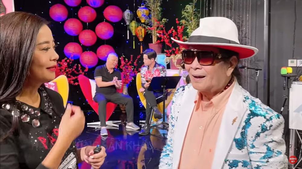 Nghệ sĩ Minh Cảnh 83 tuổi vẫn trẻ trung tại Mỹ: Tôi đi show liên tục, ai mời là đi - Ảnh 1.