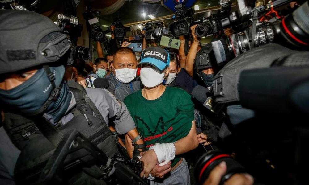 Lộ diện con quỷ đội lốt cảnh sát ở Thái Lan: Dùng túi ni lông đúng cách, mua được cả biệt thự, siêu xe - Ảnh 1.