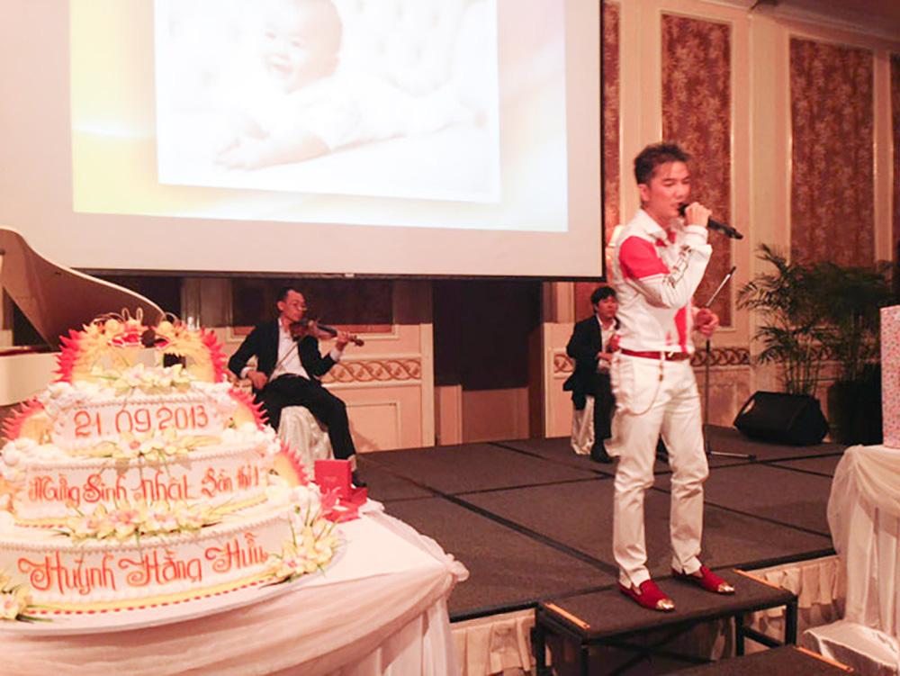 Đàm Vĩnh Hưng từng hát trong tiệc thôi nôi bé Hằng Hữu, 8 năm sau kiện bà Phương Hằng đúng ngày sinh nhật quý tử - Ảnh 4.