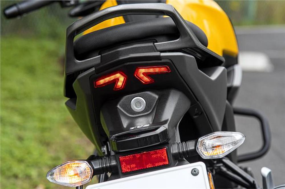 Xe máy 125cc giá 24 triệu, dáng thể thao ngầu đét, hỗ trợ điều khiển giọng nói - Ảnh 3.
