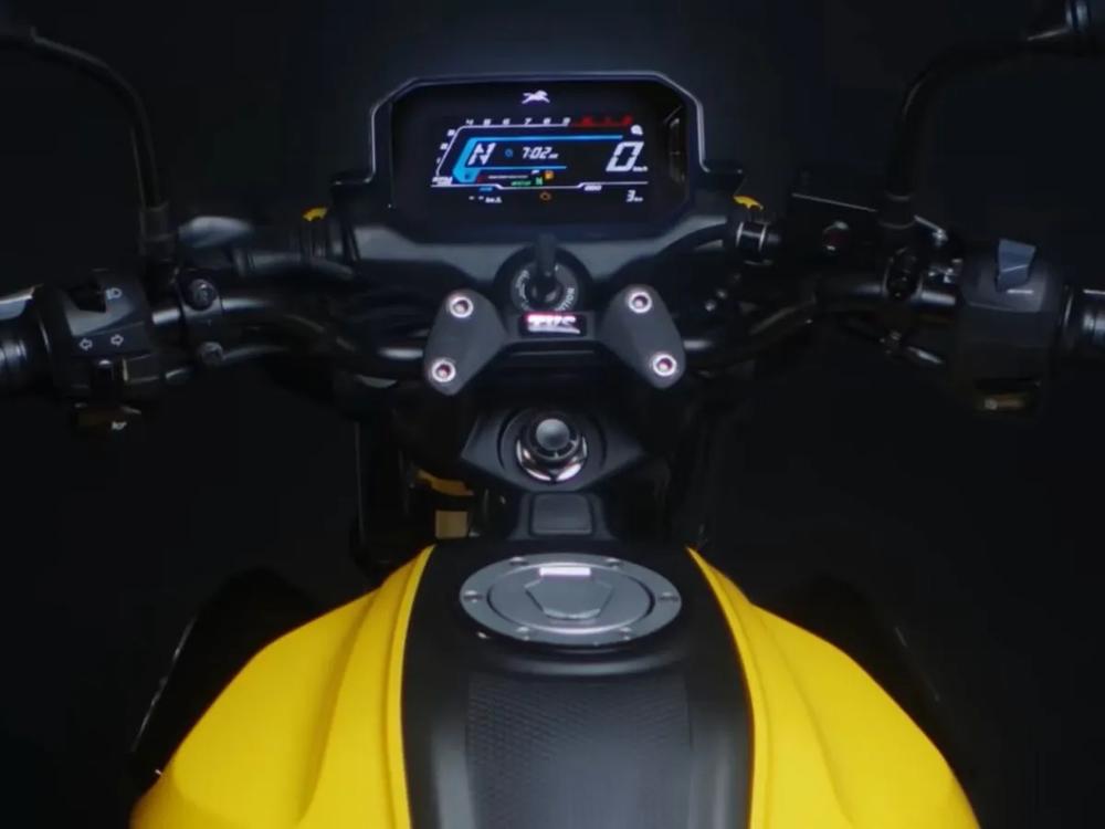 Xe máy 125cc giá 24 triệu, dáng thể thao ngầu đét, hỗ trợ điều khiển giọng nói - Ảnh 4.