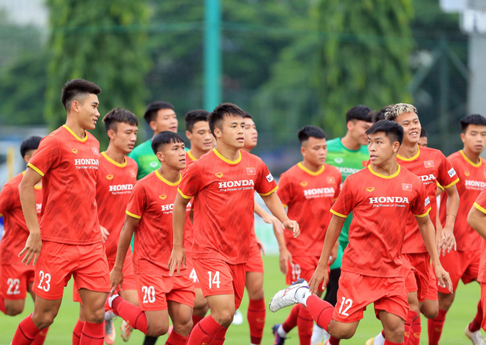 Cầu thủ U22 Việt Nam nỗ lực cạnh tranh suất tham dự vòng loại U23 châu Á 2022 - Ảnh 3.