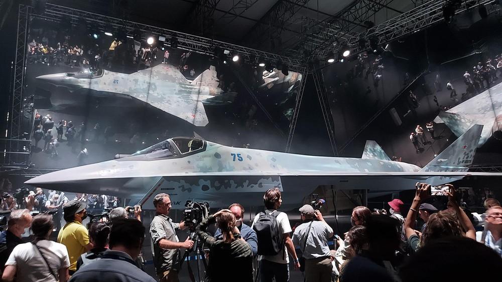 Mỹ kết luận sốc: Su-75 Checkmate Nga sẽ theo vết xe đổ của siêu xe tăng T-14 Armata? - Ảnh 2.