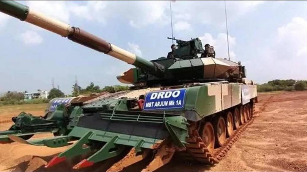 Ấn Độ ký hợp đồng mua xe tăng cực lớn: Bất ngờ loại xe được chọn và mức giá khủng khiếp - Ảnh 2.