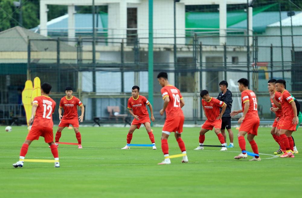 Cầu thủ U22 Việt Nam nỗ lực cạnh tranh suất tham dự vòng loại U23 châu Á 2022 - Ảnh 5.
