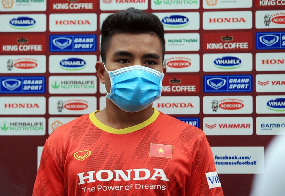 Cầu thủ U22 Việt Nam nỗ lực cạnh tranh suất tham dự vòng loại U23 châu Á 2022 - Ảnh 7.