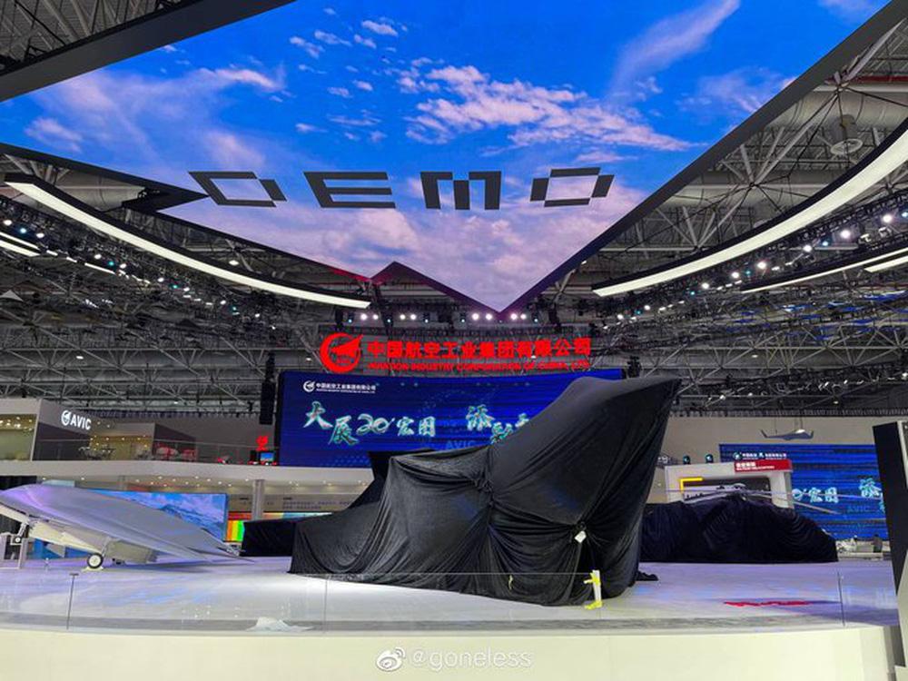 Bí ý tưởng hút khách ở Zhuhai-2021, Trung Quốc thuổng luôn bài vở của Su-75 Checkmate? - Ảnh 1.