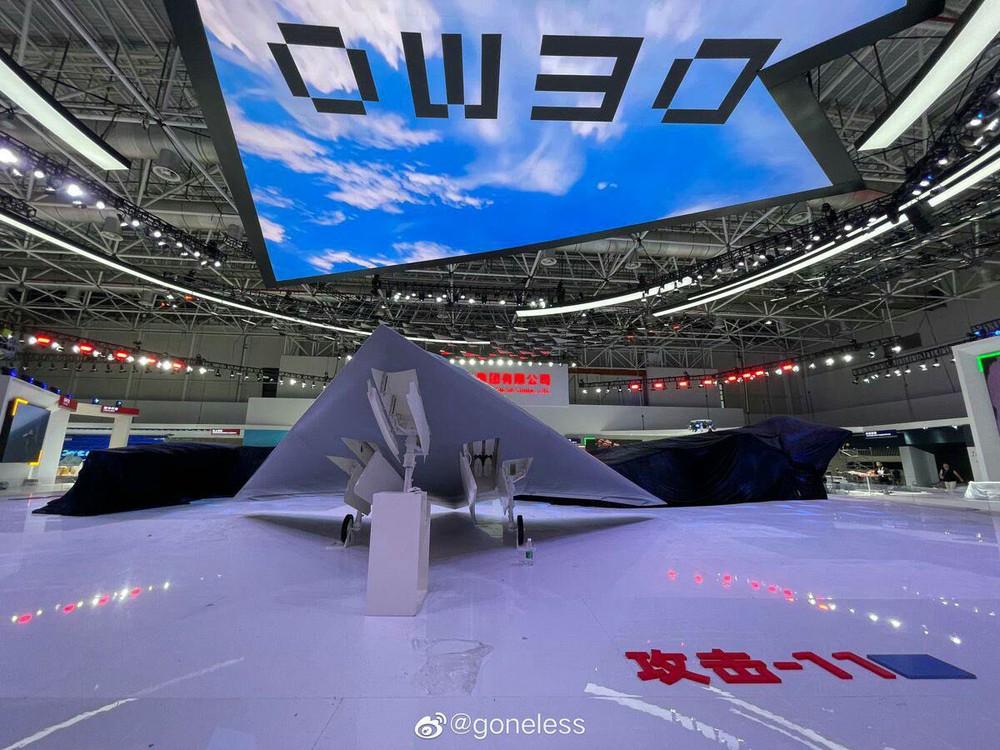 Bí ý tưởng hút khách ở Zhuhai-2021, Trung Quốc thuổng luôn bài vở của Su-75 Checkmate? - Ảnh 2.