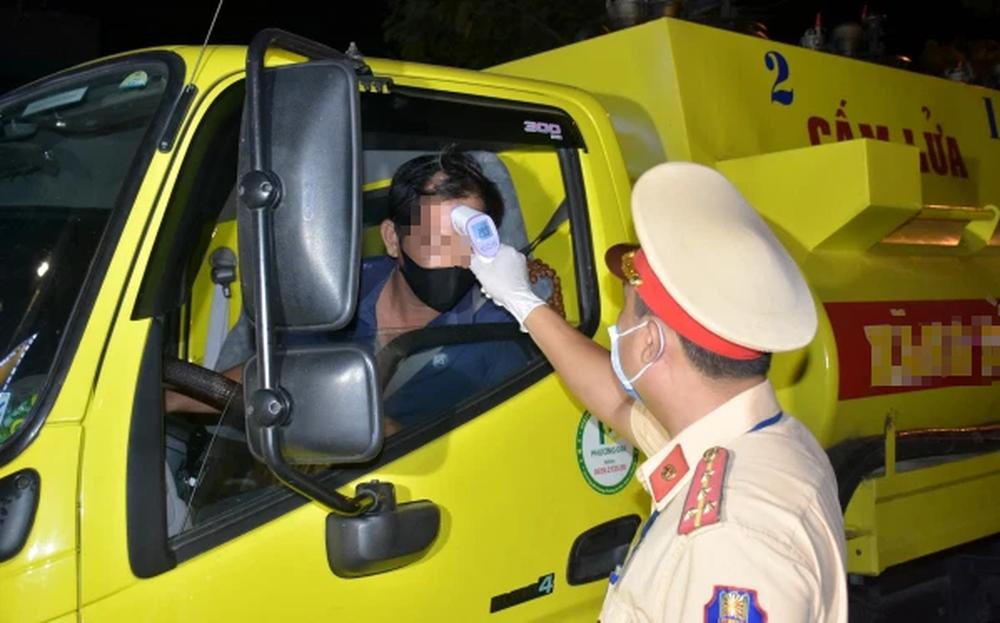 2 lái xe mắc Covid-19 khiến Chủ tịch thị xã và huyện bị phê bình 'lơ là chống dịch'