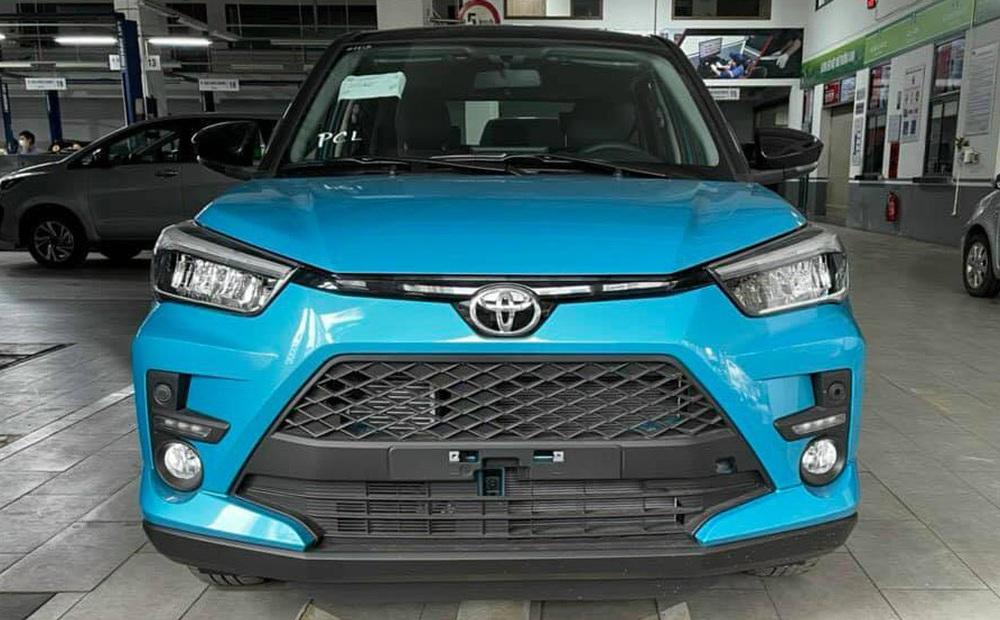 Toyota Raize đầu tiên về Việt Nam: Đại lý nhận cọc 20 triệu đồng, giá dự kiến 500 triệu đồng, đối thủ 'đi trước một bước' của Kia Sonet