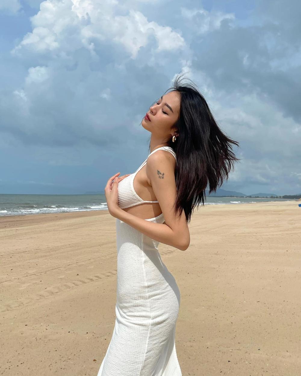 Phí Phương Anh khoe body cực kỳ nóng bỏng - Ảnh 10.