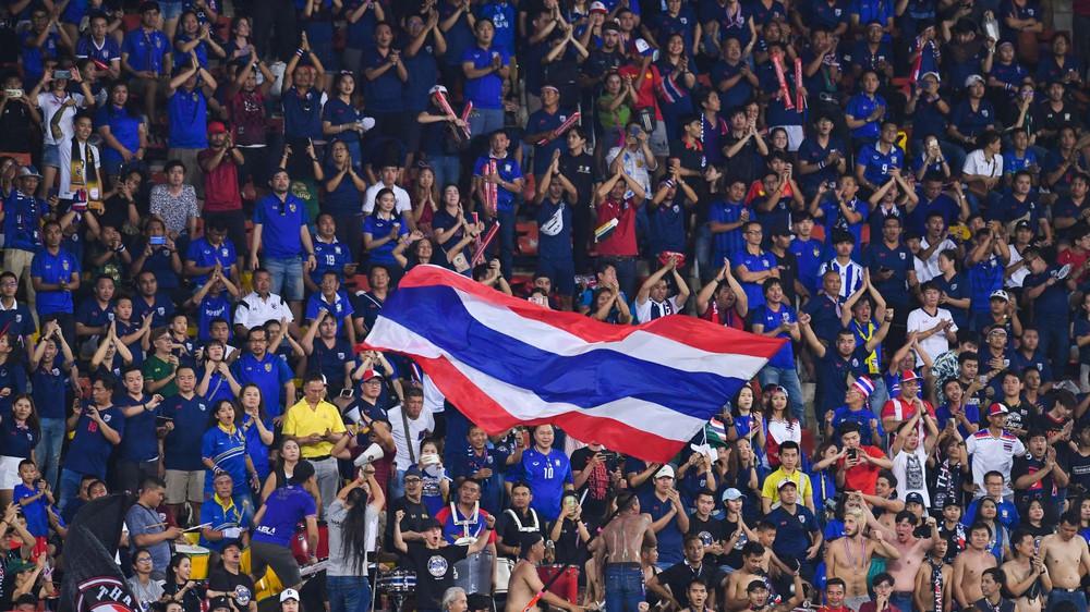NÓNG: Campuchia tan mộng tổ chức AFF Cup trên SVĐ trăm triệu đô, Thái Lan nhận tin vui lớn - Ảnh 2.