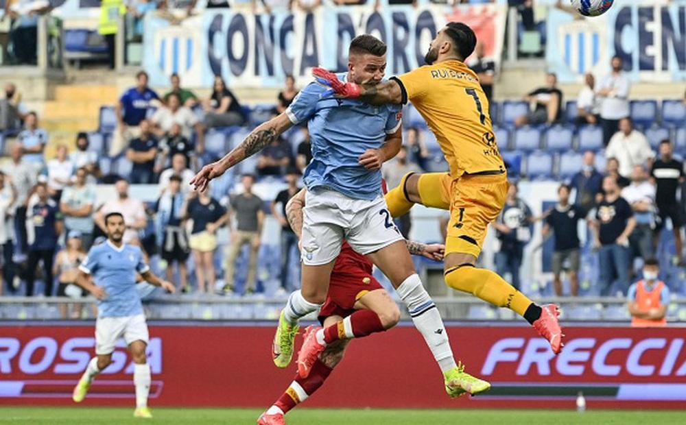 Lazio 3-2 Roma: Mourinho hết phép