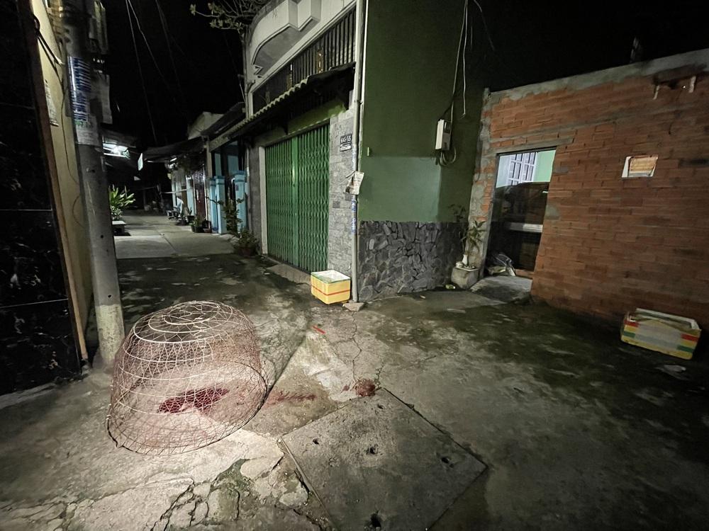 Vụ án mạng kinh hoàng ở quận 7: Mang một phần thi thể nạn nhân để trước cửa rồi lững thững đi bộ về nhà - Ảnh 6.