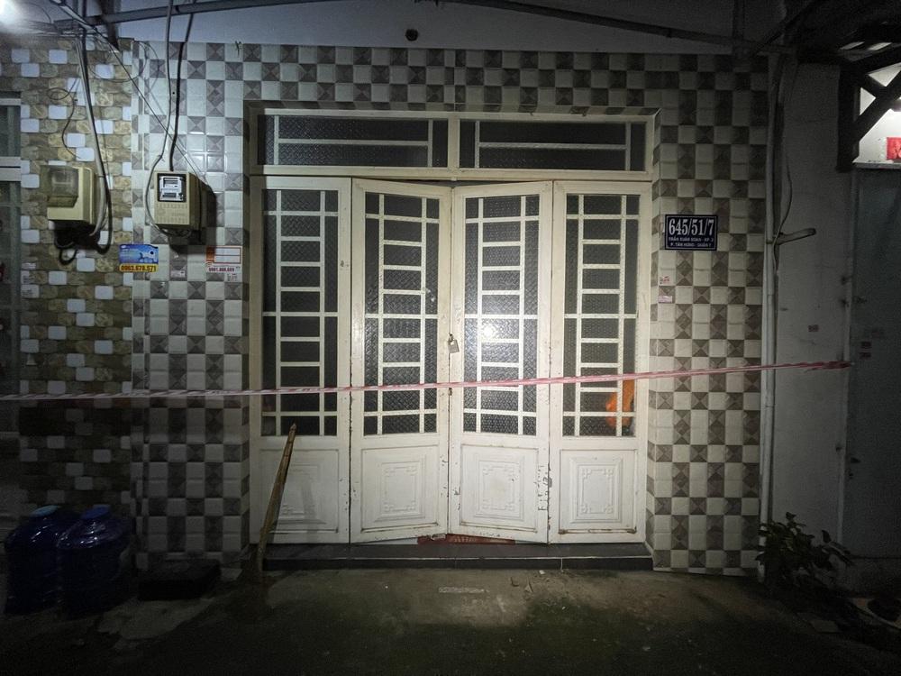 Vụ án mạng kinh hoàng ở quận 7: Mang một phần thi thể nạn nhân để trước cửa rồi lững thững đi bộ về nhà - Ảnh 4.