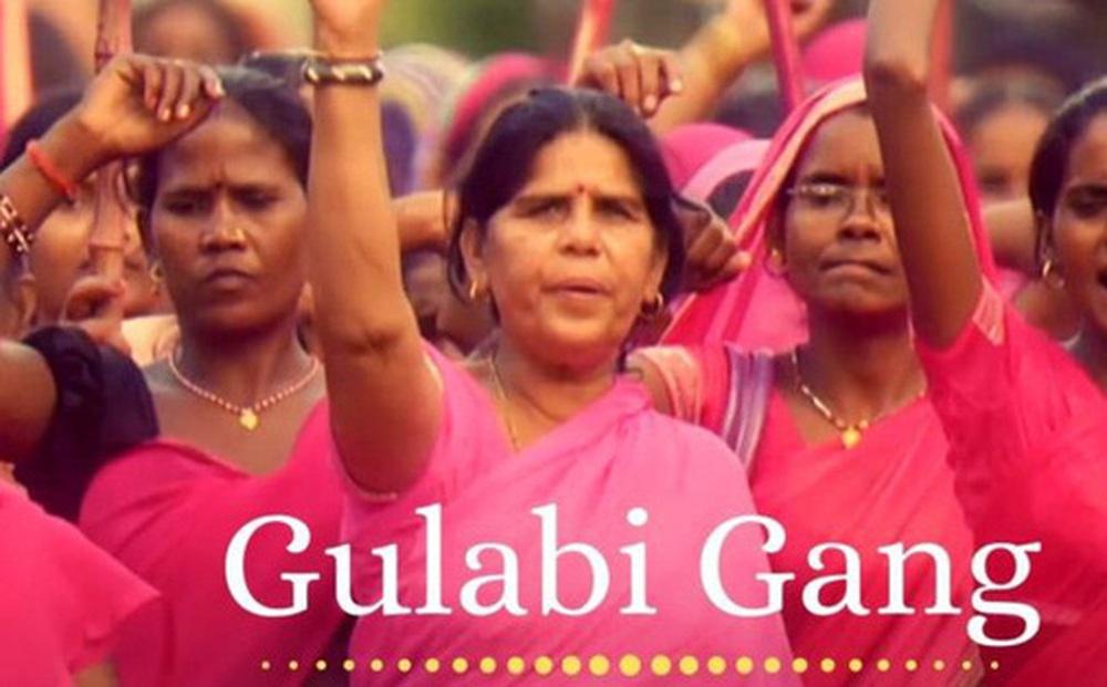 Gulabi Gang - ''Băng đảng màu hồng'' của chị em Ấn Độ chuyên đi diệt trừ yêu râu xanh, vũ phu và gia trưởng