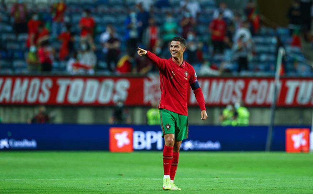 M.U nhận tin không thể vui hơn về Ronaldo