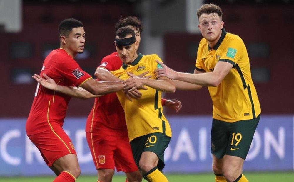 """Báo Australia mỉa mai: """"Chúng ta đá với tuyển Trung Quốc cứ như cảnh mèo vờn chuột vậy"""