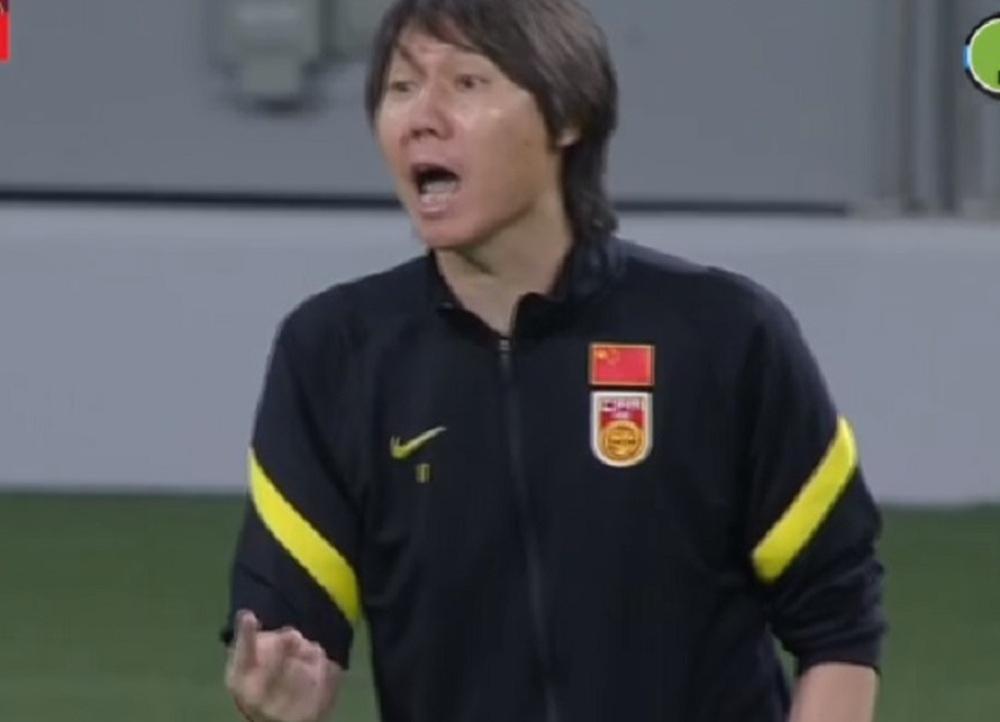 """Thua thảm, HLV tuyển Trung Quốc cay đắng thừa nhận: """"Chúng tôi đã chơi quá tệ!"""" - Ảnh 1."""