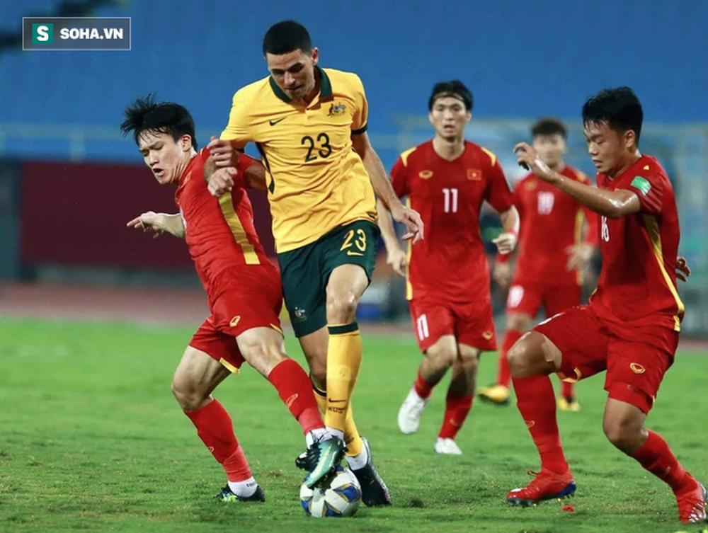 Công Phượng hợp để làm cầu thủ dự bị, hiệp 2 vào sân và tạo đột biến trước Trung Quốc - Ảnh 2.