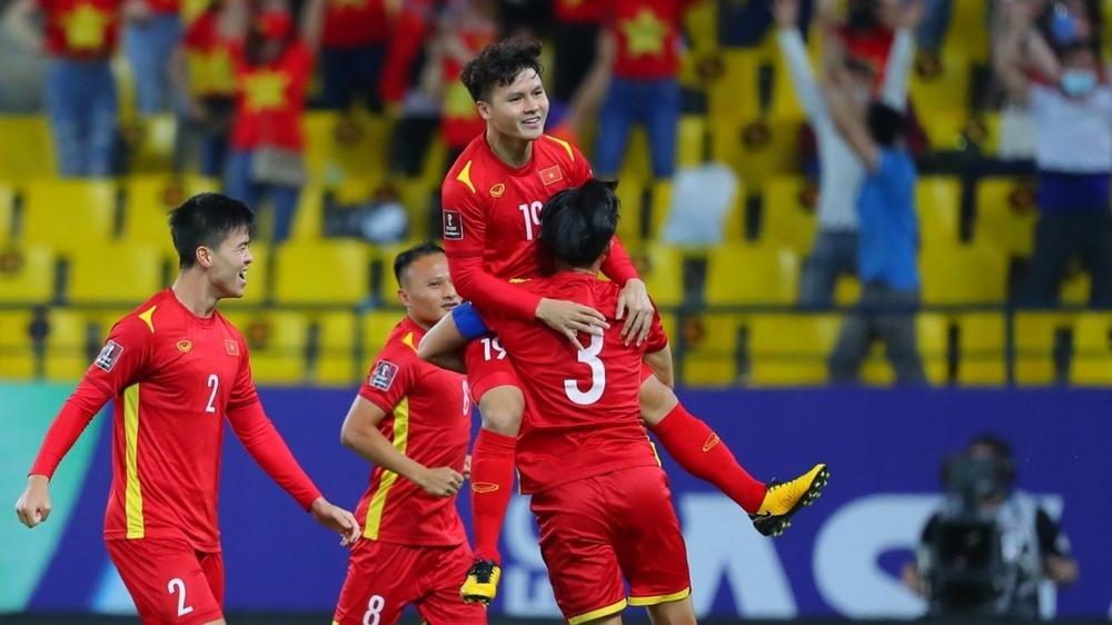 Thi đấu kiên cường trong màu áo ĐT Việt Nam, Hoàng Đức được Viettel FC trọng thưởng - Ảnh 2.