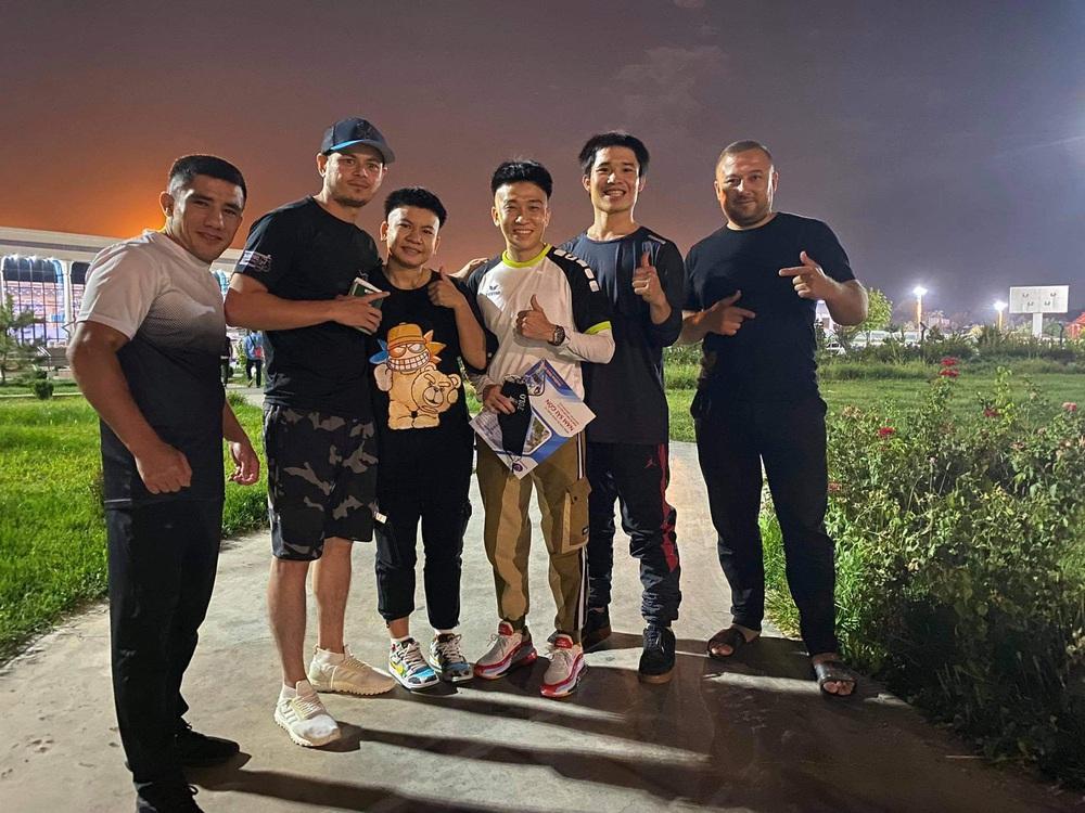 Võ sĩ tập tại Việt Nam đấm cho đồng hương của Manny Pacquiao bị biến dạng cả khuôn mặt - Ảnh 4.
