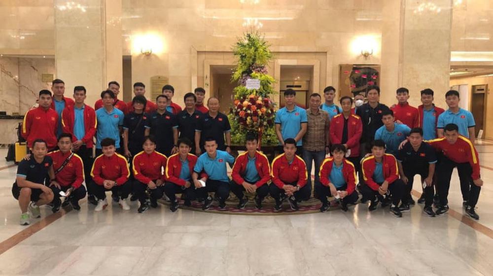 Trợ lý Lê Huy Khoa nhắc chuyện ông Lee Young-jin tối tăm mặt mũi khi dự World Cup, lên dây cót tinh thần cho tuyển Việt Nam - Ảnh 3.