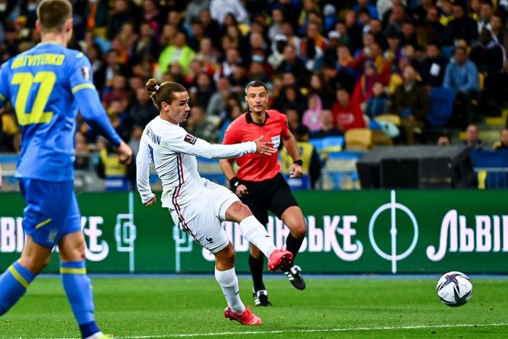 Chân gỗ tỏa sáng, Pháp vẫn để Ukraine cầm hòa 1-1 sau 90 phút - Ảnh 3.