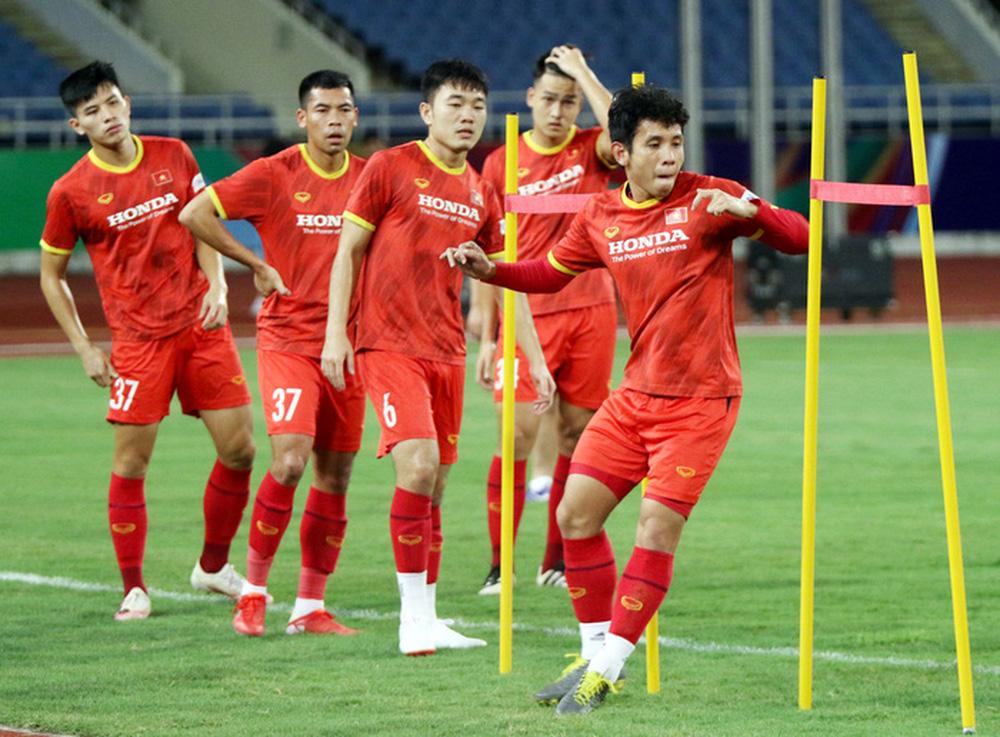 Tuyển Việt Nam về tập luyện ở sân đấu bất bại suốt 5 năm qua - Ảnh 4.