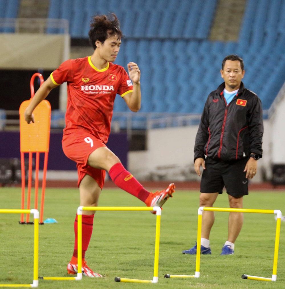 Tuyển Việt Nam về tập luyện ở sân đấu bất bại suốt 5 năm qua - Ảnh 5.