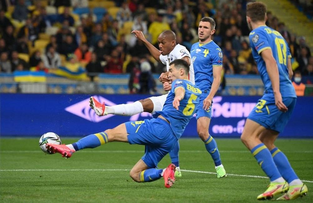 Chân gỗ tỏa sáng, Pháp vẫn để Ukraine cầm hòa 1-1 sau 90 phút - Ảnh 7.