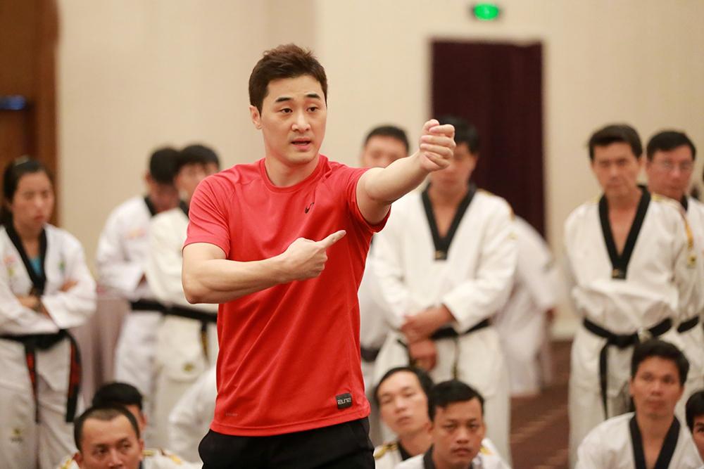 Nếu đánh luật MMA, võ sư Hàn Quốc có thể chết dưới tay Từ Hiểu Đông trong vòng 1 phút - Ảnh 2.