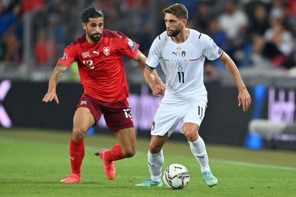 Jorginho đá hỏng 11m, Italy hoà Thuỵ Sĩ trong trận cầu không bàn thắng - Ảnh 1.