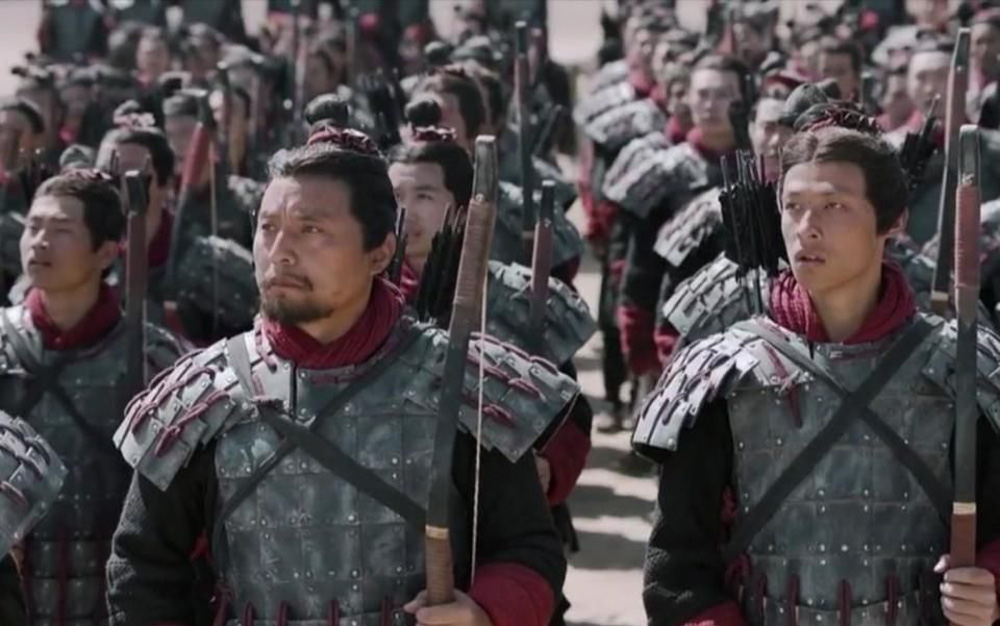 Việc mang vũ khí bên mình thời xưa là chuyện nhỏ, nhưng tàng trữ áo giáp là tội tày trời - Vì sao? - Ảnh 1.