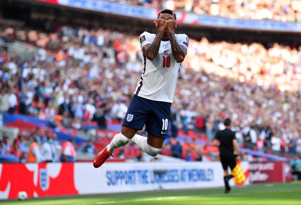 Lingard gây sốt với màn trình diễn 10 điểm và pha ăn mừng như Ronaldo - Ảnh 3.