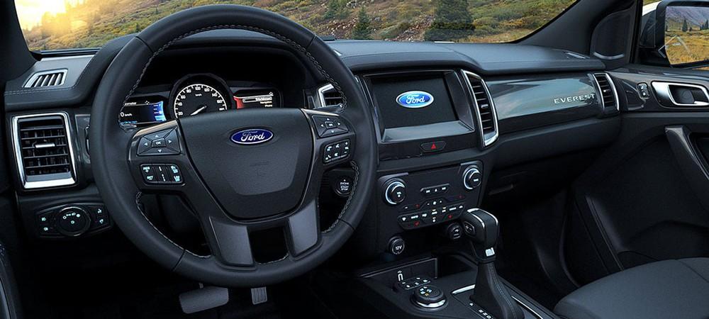 Ngoài giảm 'sốc' hơn 100 triệu, Ford Everest lấy gì để 'vượt mặt' Toyota Fortuner, Hyundai SantaFe? - Ảnh 3.