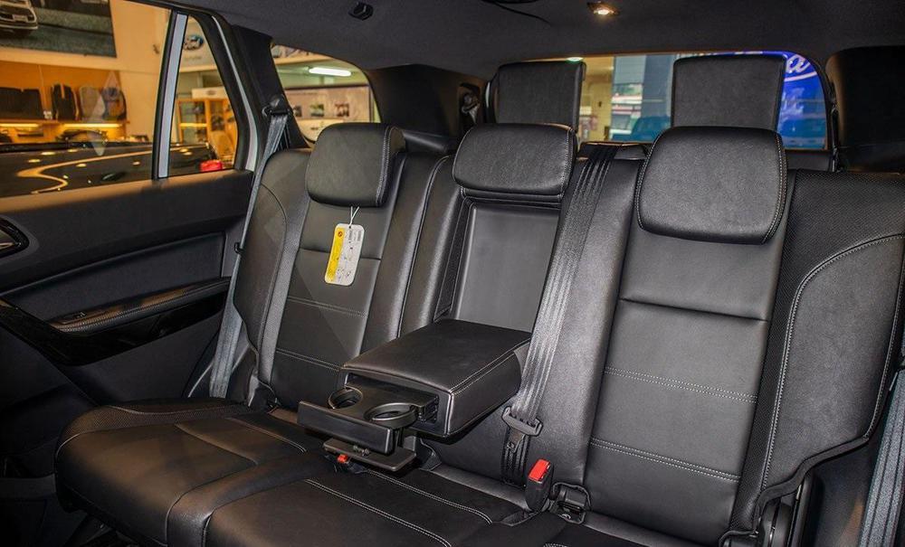 Ngoài giảm 'sốc' hơn 100 triệu, Ford Everest lấy gì để 'vượt mặt' Toyota Fortuner, Hyundai SantaFe? - Ảnh 5.