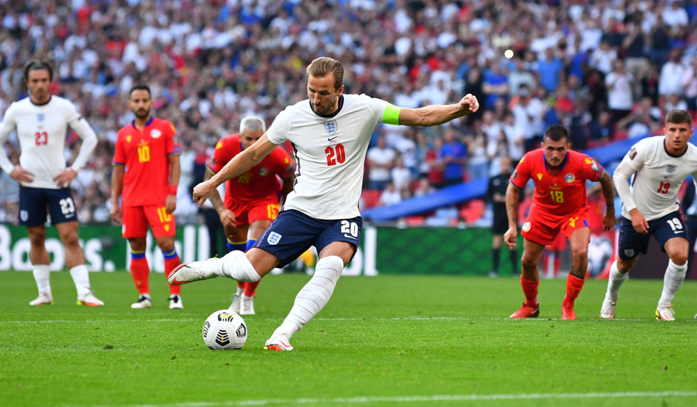 Lingard gây sốt với màn trình diễn 10 điểm và pha ăn mừng như Ronaldo - Ảnh 6.