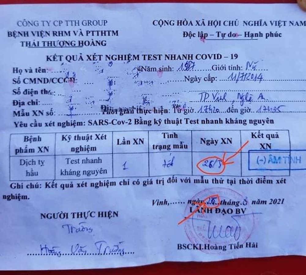 Nhiều nam, nữ tài xế thông chốt kiểm soát Covid-19 bằng cách sửa ngày trên giấy test nhanh - Ảnh 1.