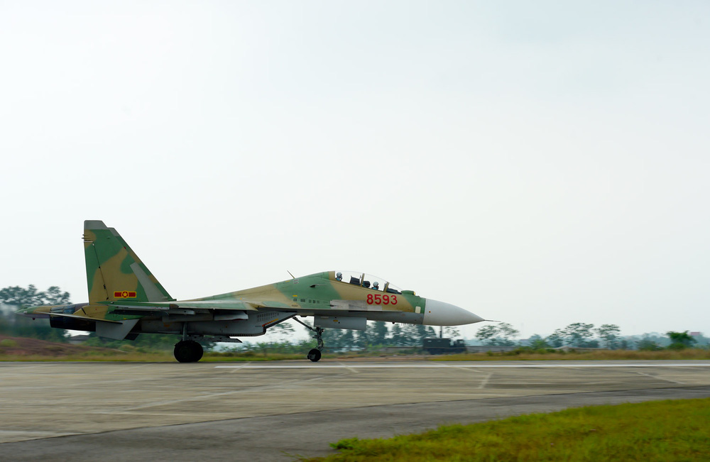 Không quân Việt Nam lột xác với chiến đấu cơ mới tinh: Nhận đủ 12 chiếc luôn và ngay - Ảnh 4.