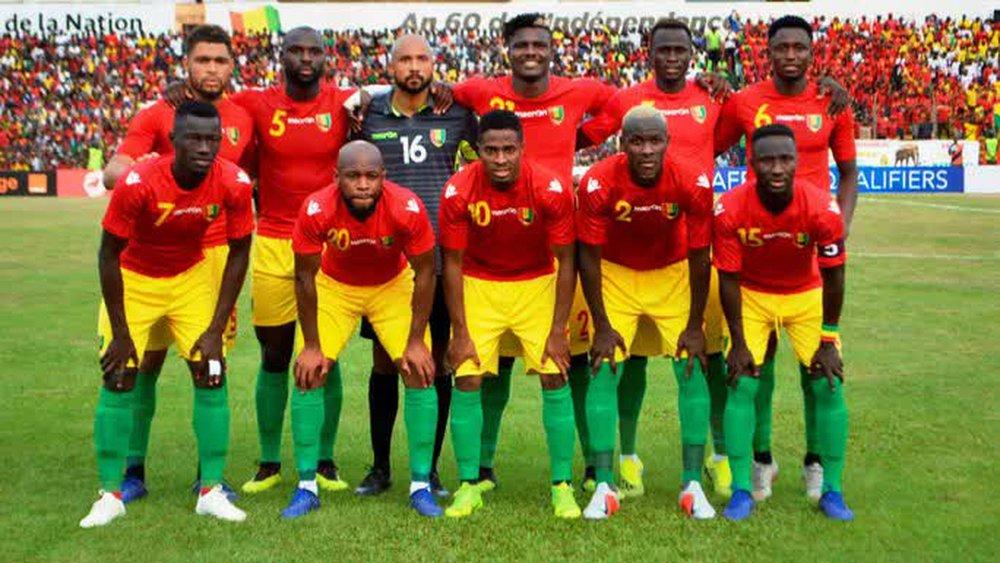 Đảo chính quân sự ở Guinea, Liverpool gửi chuyên cơ giải cứu ngôi sao - Ảnh 4.
