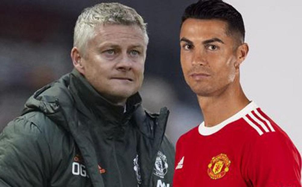 Ronaldo ra mắt Man Utd muộn hơn dự kiến