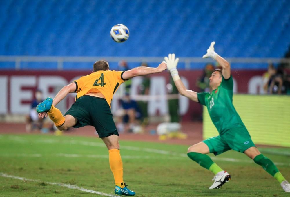 Kết quả Việt Nam vs Australia: Vô duyên với VAR, tuyển Việt Nam gục ngã cực kỳ đáng tiếc trên sân Mỹ Đình - Ảnh 4.
